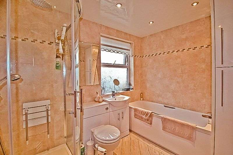 2 Bedrooms Terraced House for sale in Park Road, Dukinfield, SK16 5LP