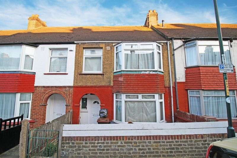 3 Bedrooms Terraced House for sale in Rochester Street, Chatham