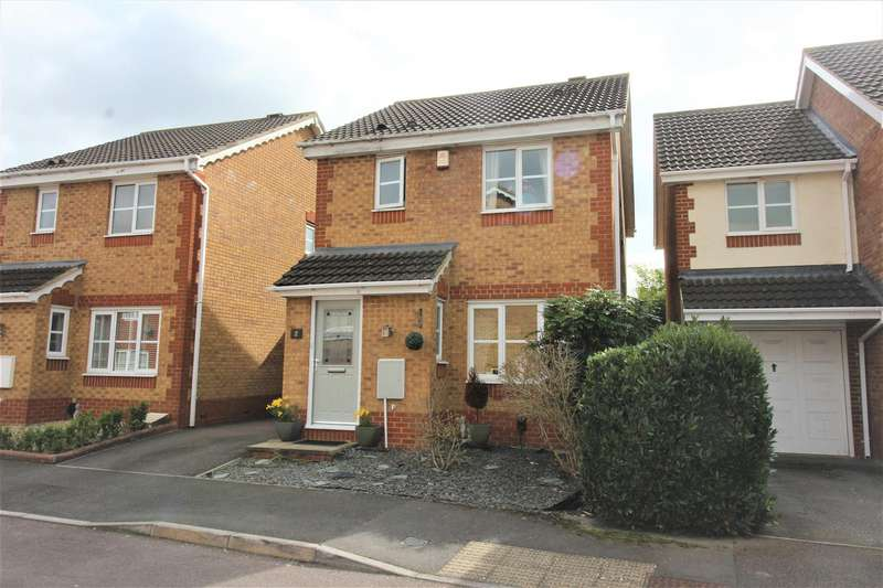 3 Bedrooms Property for sale in Dickenson Road, Taw Hill, Swindon