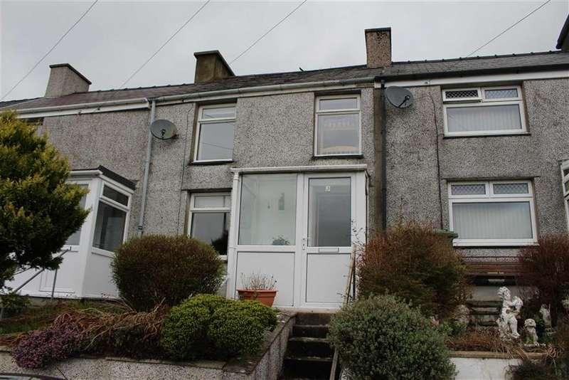 2 Bedrooms Terraced House for sale in Hyfrydle Road, Caernarfon, Gwynedd