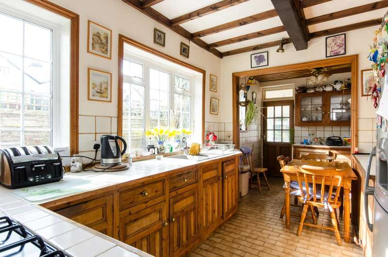 4 Bedrooms House for sale in Courtland Avenue, Streatham Common, SW16