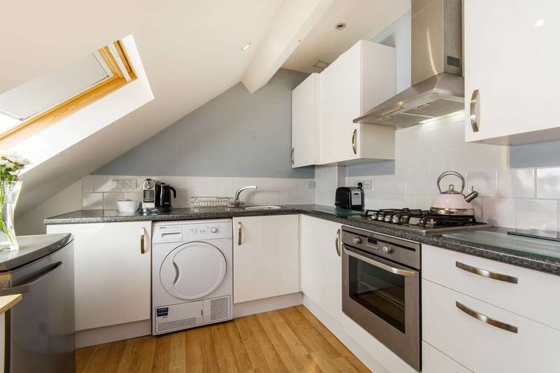 1 Bedroom Flat for sale in Chessington Road, Ewell, KT19