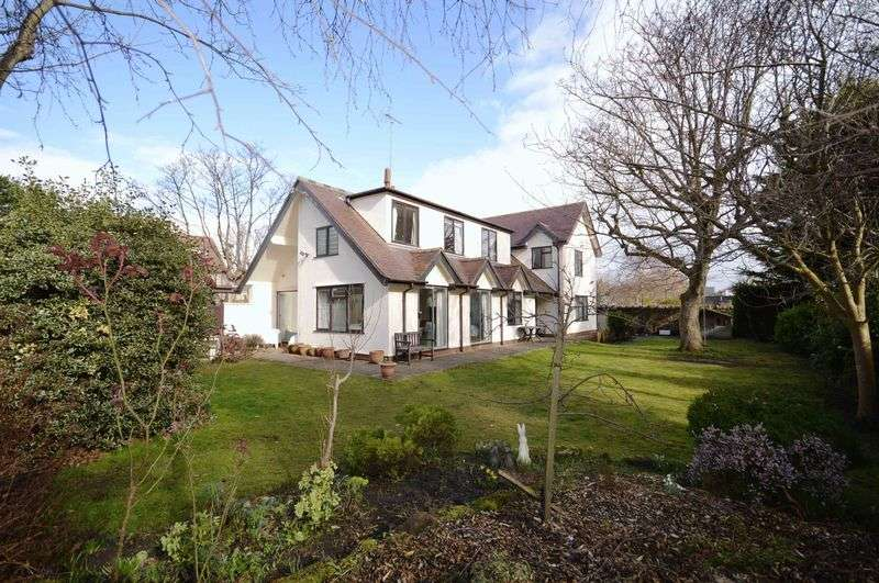 4 Bedrooms Detached House for sale in Barton Road, Hoylake