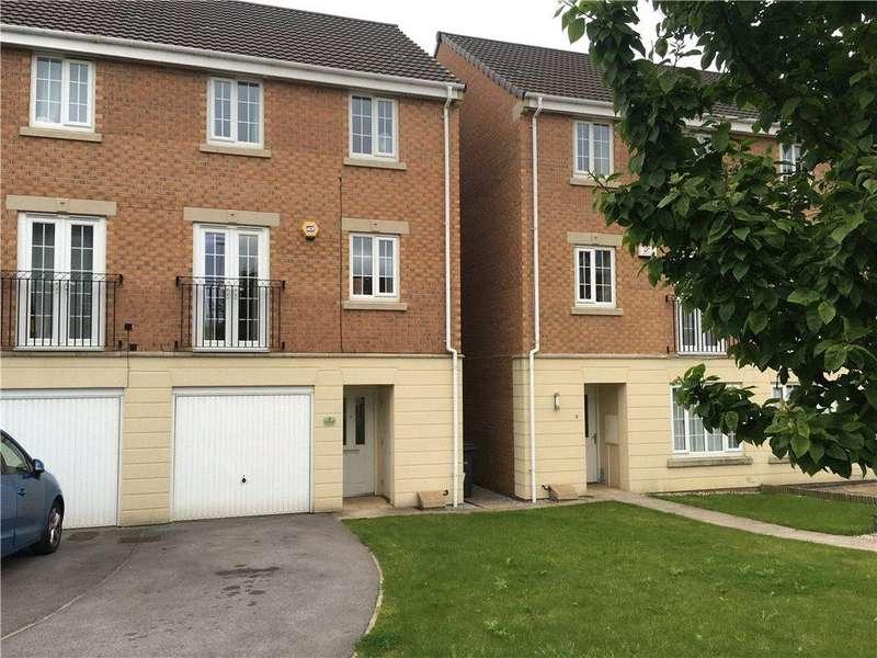 3 Bedrooms Semi Detached House for sale in Murray Way, Leeds