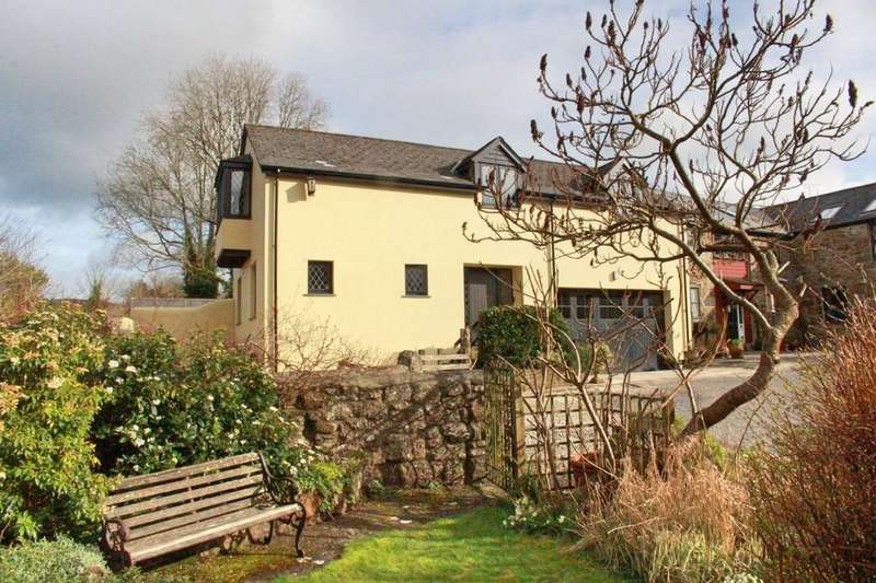 3 Bedrooms Semi Detached House for sale in Moretonhampstead, Devon