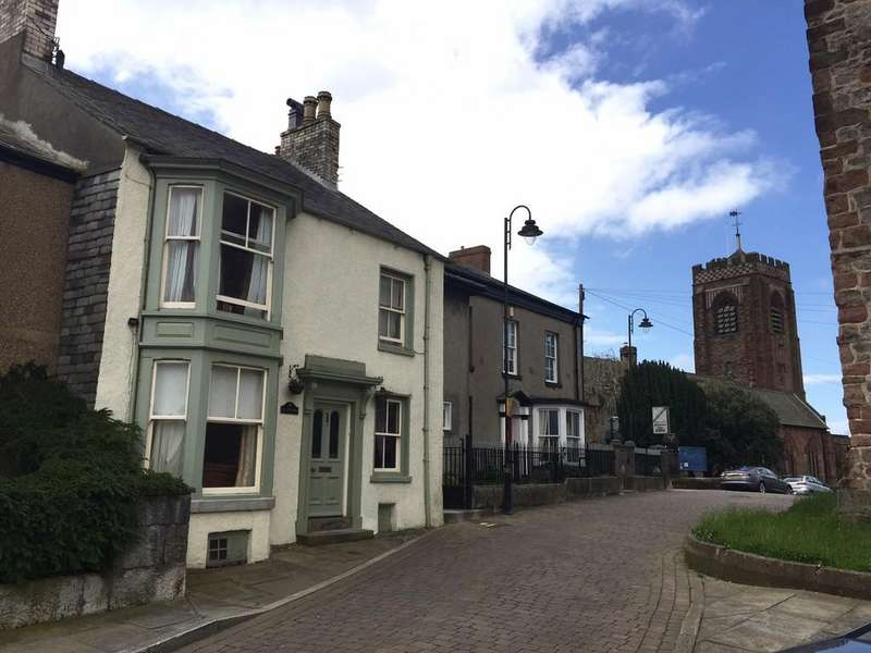 3 Bedrooms Terraced House for sale in 7 Market Place, Dalton-In-Furness