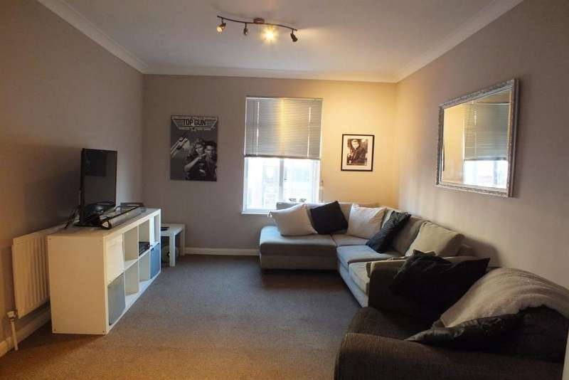 1 Bedroom Flat for sale in Broadway, Leigh On Sea