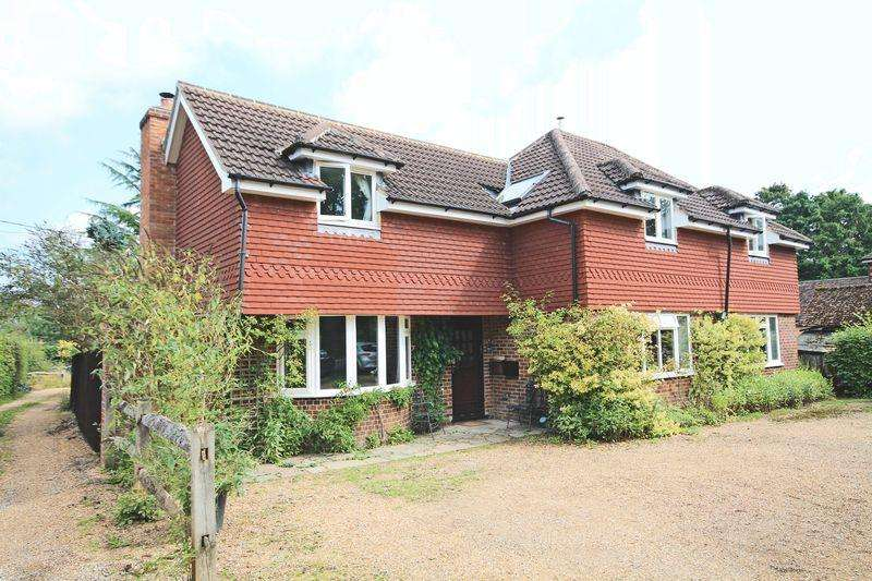 4 Bedrooms Detached House for sale in Plaistow Road, Ifold