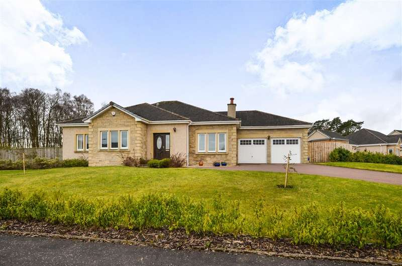 4 Bedrooms Bungalow for sale in Dollarbeg Park, Dollar