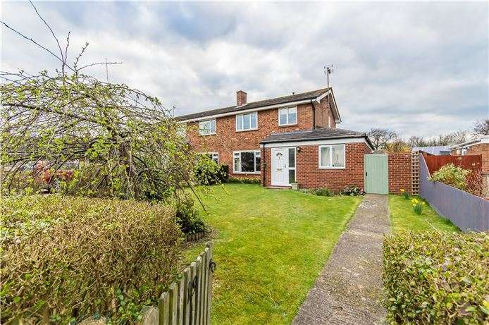 3 Bedrooms Semi Detached House for sale in Butts Green, Whittlesford, Cambridge