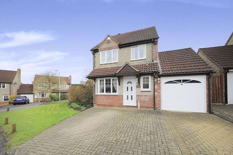 3 Bedrooms Detached House for sale in Canal Close, Calne, SN11