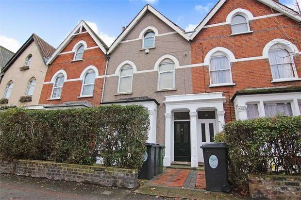 2 Bedrooms Flat for sale in Carisbrooke Road, Walthamstow, London