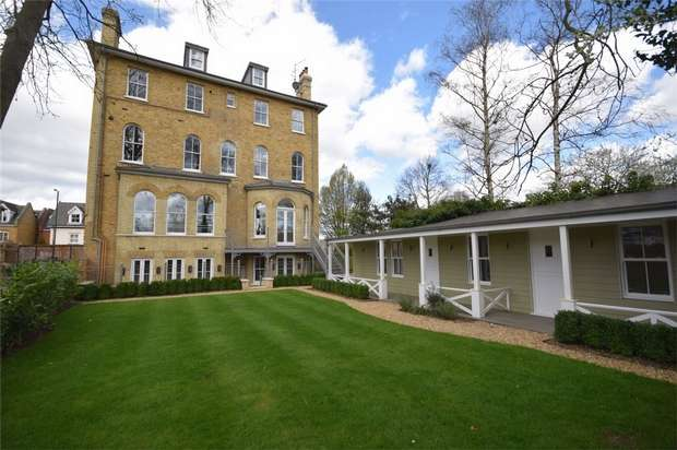 1 Bedroom Flat for sale in The Green, Twickenham