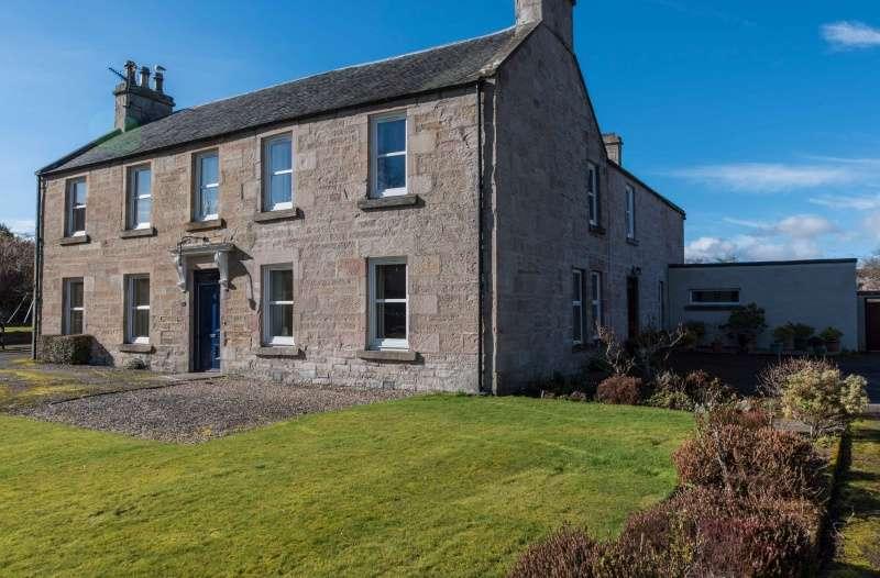 4 Bedrooms Semi-detached Villa House for sale in Castle Street, Dingwall, Highland, IV15 9HU