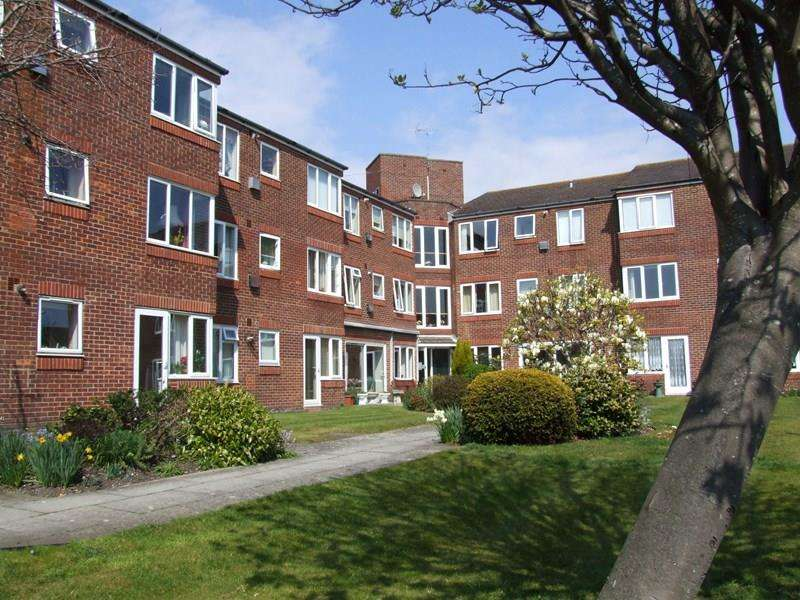 1 Bedroom Retirement Property for sale in Mount Pleasant Road, Poole