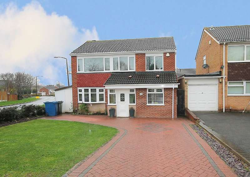 4 Bedrooms Detached House for sale in Sunbeam, Lakeside, Tamworth, B77 2RR
