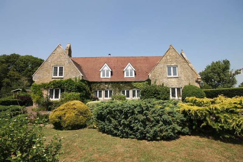 4 Bedrooms Detached House for sale in Porchfield, Isle of Wight