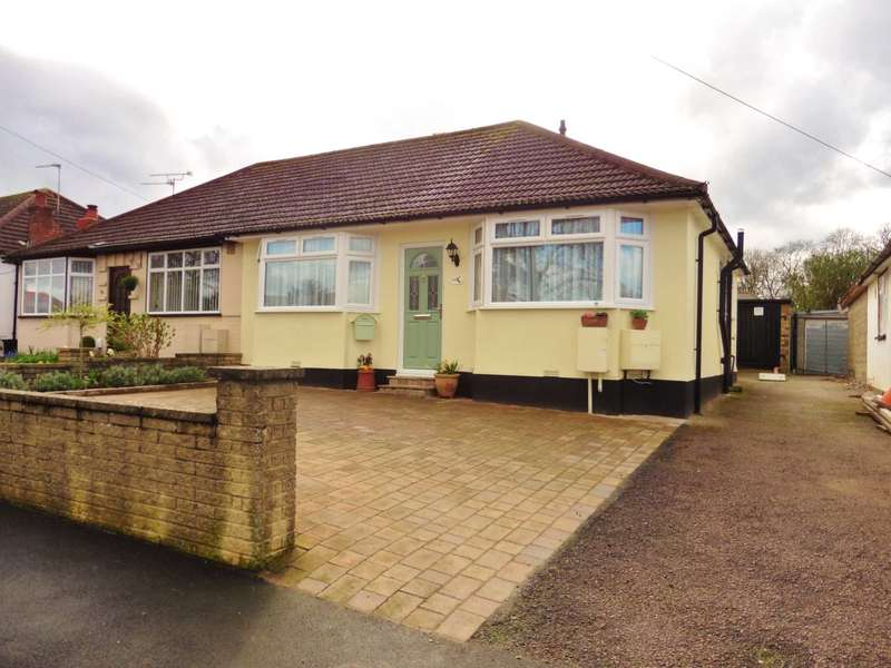 2 Bedrooms Semi Detached Bungalow for sale in Compton Place, Carpenders Park