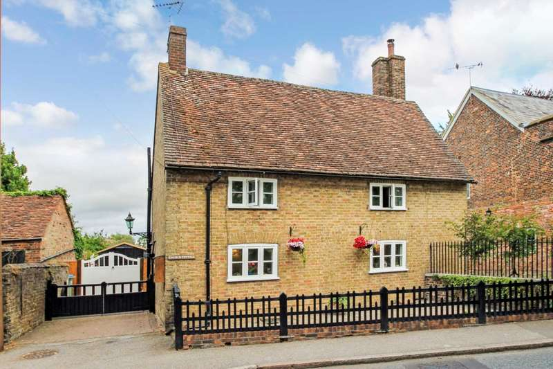 3 Bedrooms Detached House for sale in Ivinghoe, Buckinghamshire