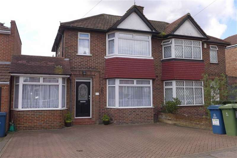 4 Bedrooms Property for sale in Wetheral Drive, Stanmore, Middlesex