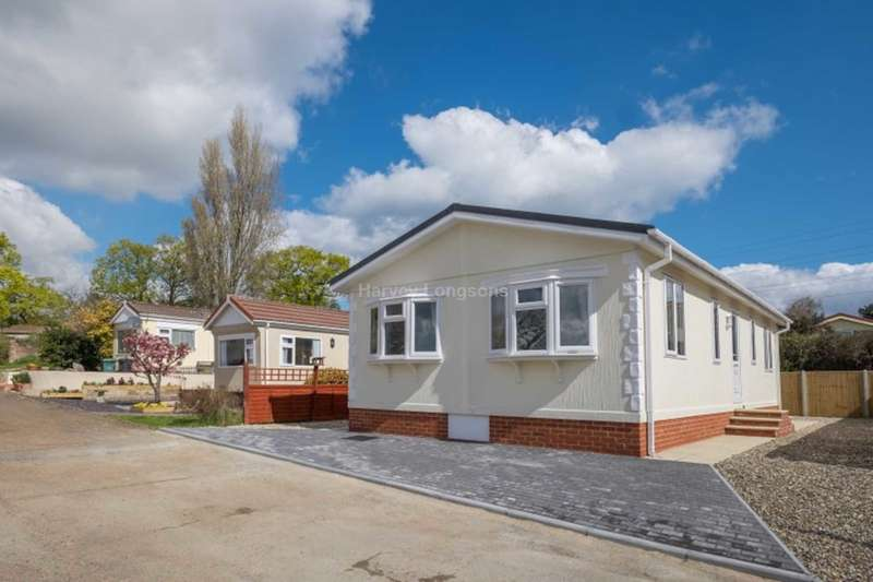 2 Bedrooms Park Home Mobile Home for sale in Folly Lane, Whippingham, Isle Of Wight