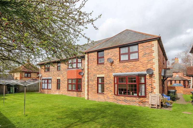 2 Bedrooms Apartment Flat for sale in Atwell Close, Wallingford