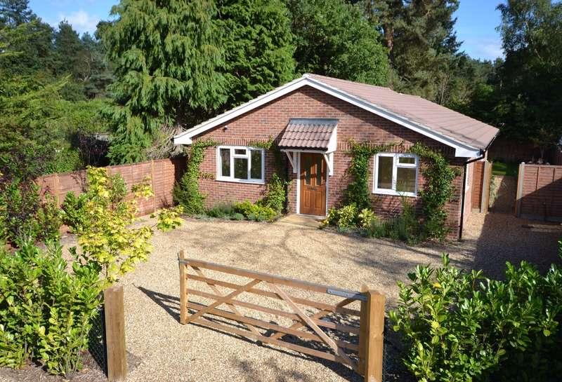 3 Bedrooms Detached Bungalow for sale in Elstead