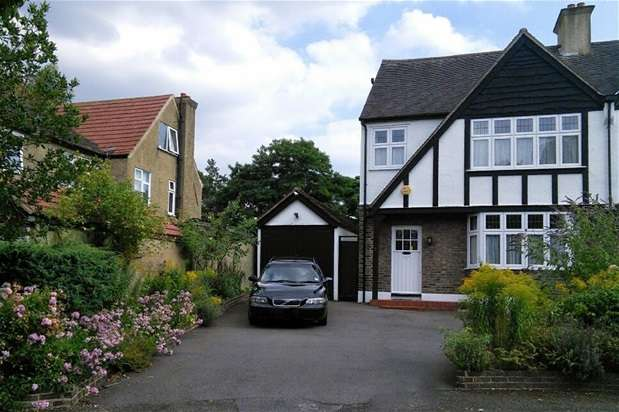 4 Bedrooms House for sale in Ashurst Walk, Croydon