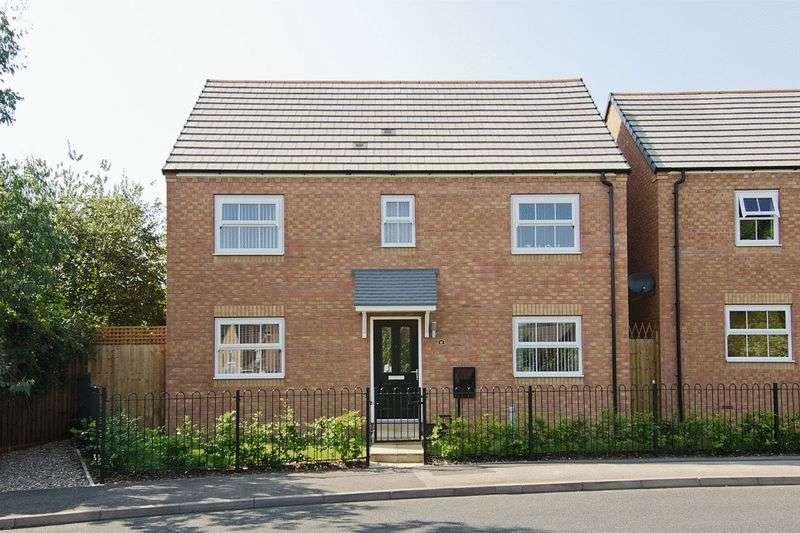 4 Bedrooms Detached House for sale in Watermead Grange Brownhills