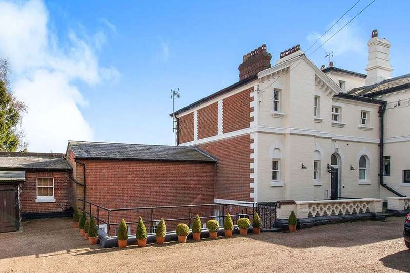2 Bedrooms Flat for sale in Pembury Road, Tunbridge Wells, TN2