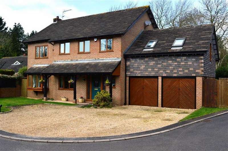 5 Bedrooms Detached House for sale in Silverwood Close, Wimborne, Dorset