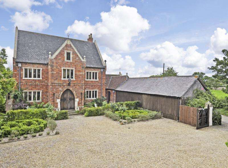 5 Bedrooms Detached House for sale in Main Street, Thorpe, Nr Newark, Notts
