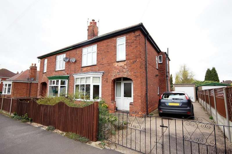 3 Bedrooms Semi Detached House for sale in Connaught Road, Gainsborough