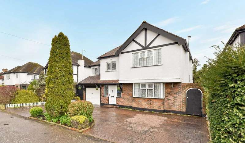 5 Bedrooms Detached House for sale in Court Avenue, Coulsdon, CR5
