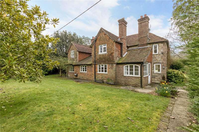 3 Bedrooms Detached House for sale in River Common, Petworth, West Sussex, GU28