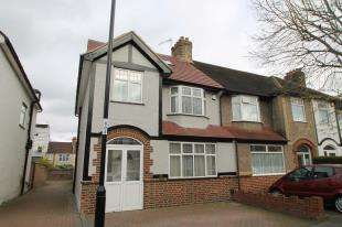 4 Bedrooms End Of Terrace House for sale in Cherry Hill Gardens, Croydon, .