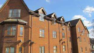1 Bedroom Flat for sale in Wilton Hill Court, 29 Wilton Road, Redhill, Surrey