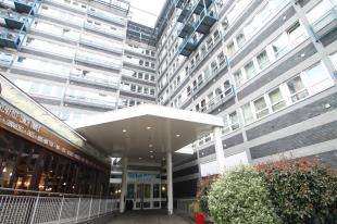 1 Bedroom Flat for sale in The Vista Building, 30 Calderwood Street, Woolwich, London