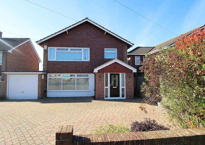 4 Bedrooms Detached House for sale in Somervell Drive, Fareham