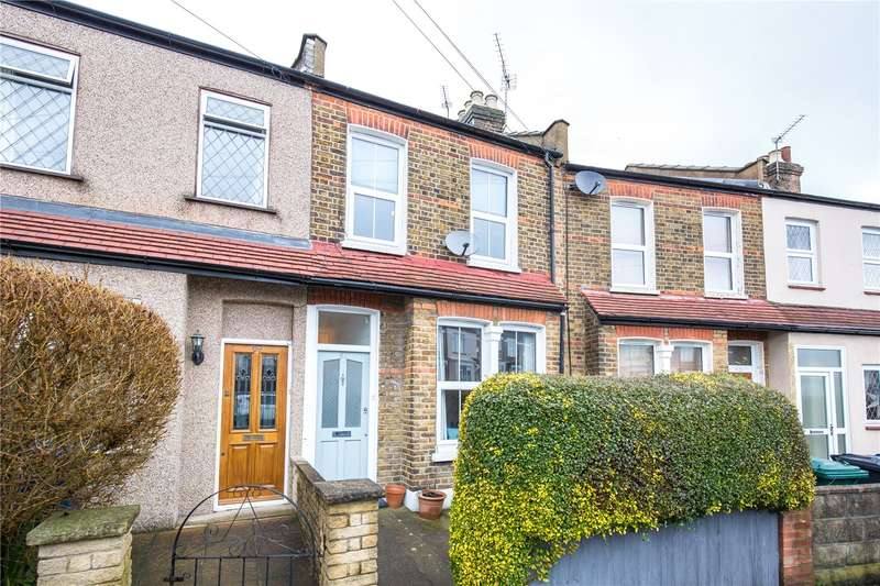 3 Bedrooms Terraced House for sale in Brunswick Crescent, Friern Barnet, London, N11