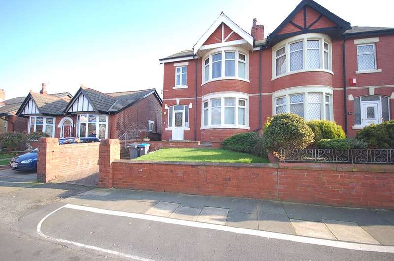 3 Bedrooms Semi Detached House for sale in Gloucester Avenue, Blackpool