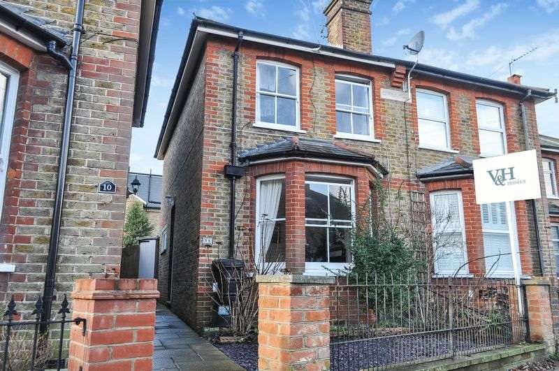 3 Bedrooms Semi Detached House for sale in Grove Road, Ashtead