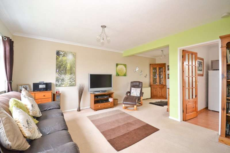 3 Bedrooms Semi Detached House for sale in Hillcrest Road, Rookley