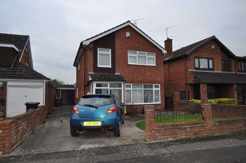 3 Bedrooms Property for sale in Atherstone Close, Matchborough East, Redditch