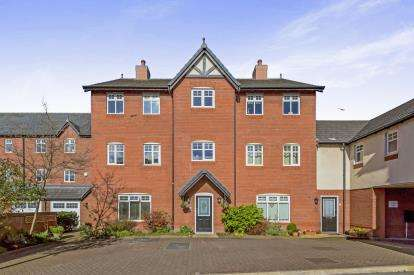 1 Bedroom Flat for sale in Newhaven Court, Nantwich, Cheshire