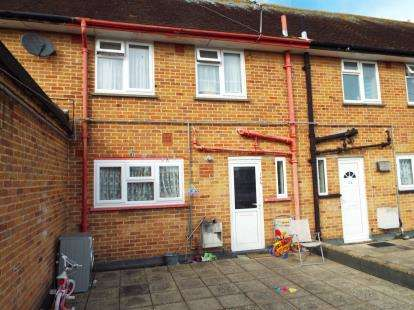 2 Bedrooms Maisonette Flat for sale in Leigh Park, Havant, Hants