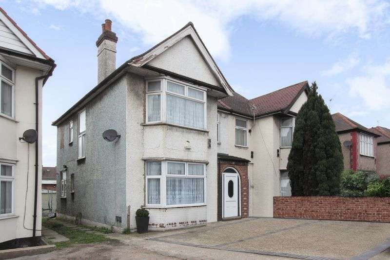 3 Bedrooms Semi Detached House for sale in North Circular Road, NW10 0HS