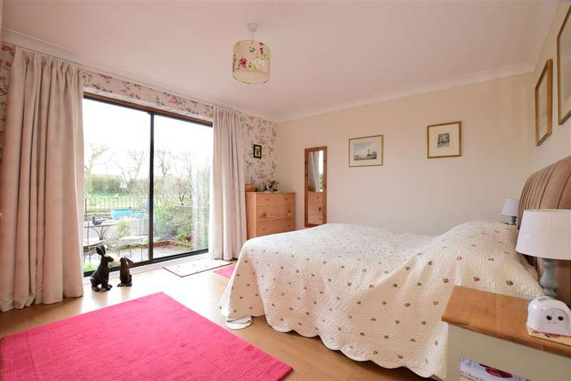 3 Bedrooms Town House for sale in Tarrant Wharf, Arundel, West Sussex