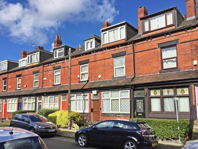 4 Bedrooms Terraced House for sale in Winfield Grove, Woodhouse, Leeds 2