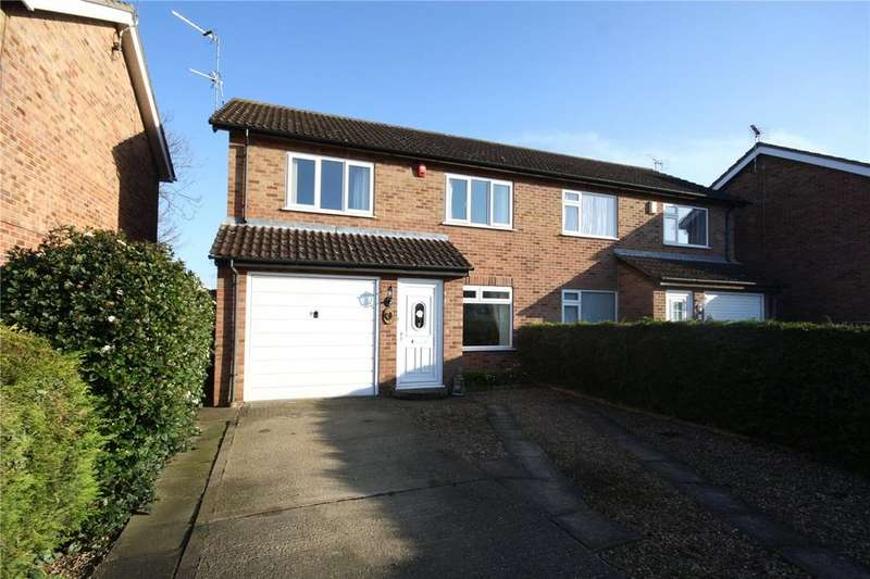 3 Bedrooms Semi Detached House for sale in Southfields, Sleaford, Lincolnshire, NG34